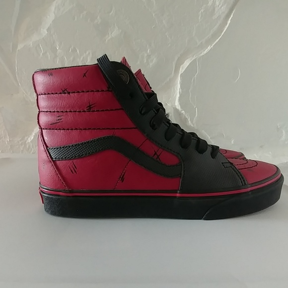 283c73af1131 New Vans Sk8 Hi Deadpool Marvel Mens size 7.5. M 5b91bb6e6a0bb7548e26ad7d